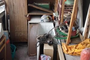 Събира и извозва битови отпадъци в София