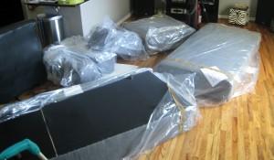 Преместване на диван