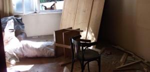 Почистване на тавани от стари мебели и битови отпадъци